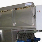 closed spray washer for large components
