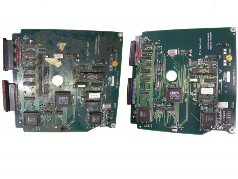 Circuit board cleaning and degreasing in ultrasonic cleaning machine