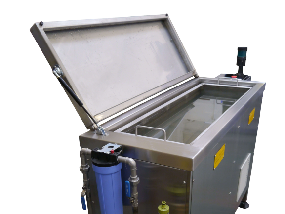 Aerospace ultrasonic cleaner